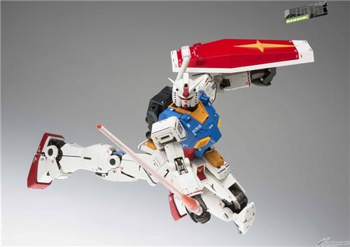 万代明年将再版GUNDAM FIX METAL COMPOSITE RX-78-02 高达